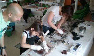 Los niños son turistas activos en Fuendetodos.Foto de Fundación Goya