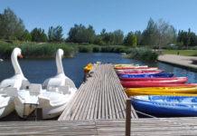 embarcadero en el parque del agua