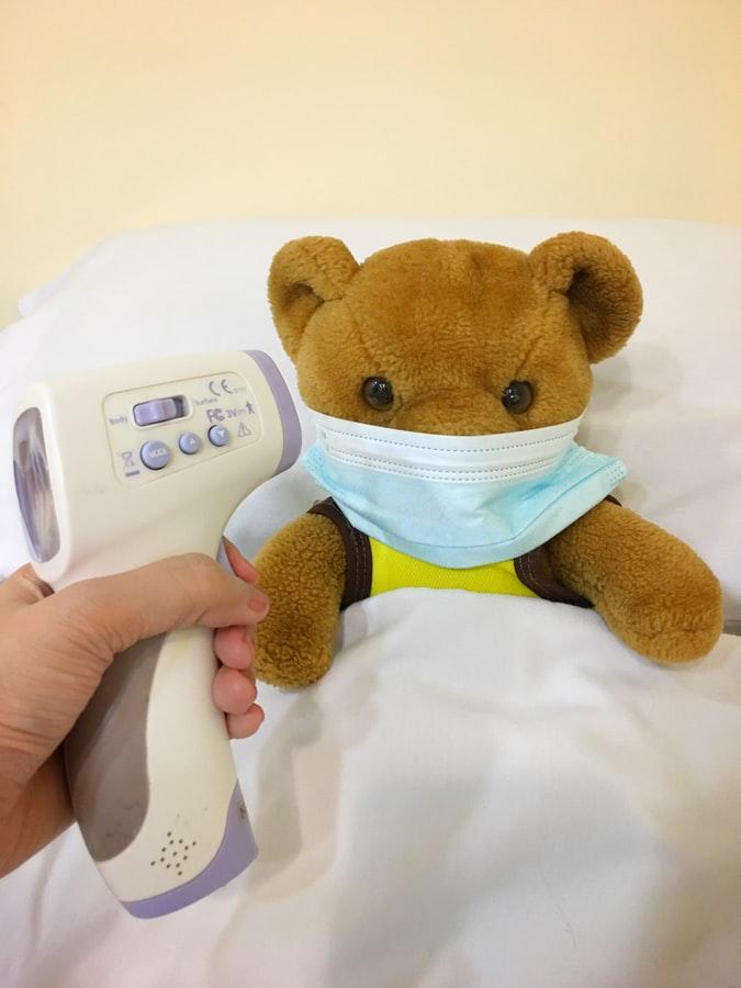 bebé con fiebre